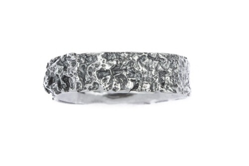 Lichen textured silm band ring.